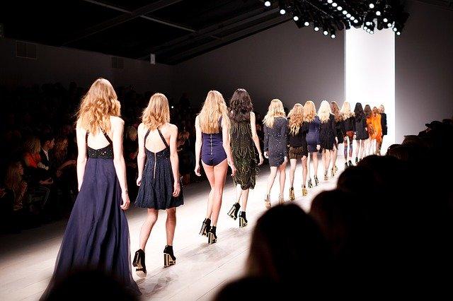 Eventi di moda valenza artista, sociale ed economica